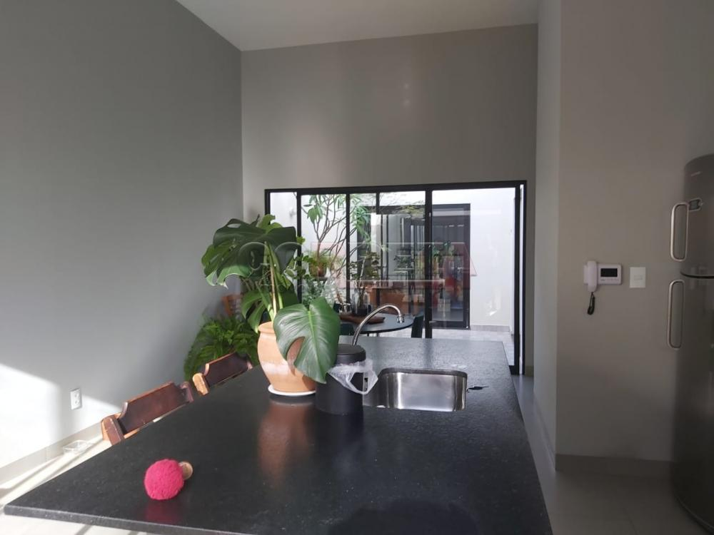 Comprar Casa / Residencial em Araçatuba R$ 250.000,00 - Foto 3