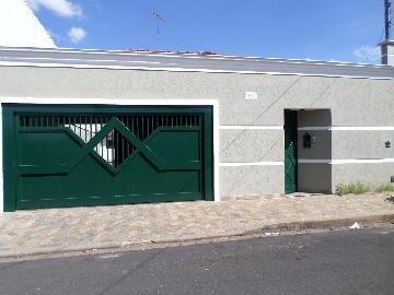 Alugar Casa / Padrão em Araçatuba. apenas R$ 1.400,00