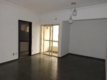 Alugar Apartamento / Padrão em Araçatuba. apenas R$ 1.200,00