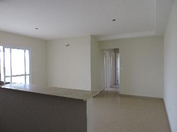 Alugar Apartamento / Padrão em Araçatuba. apenas R$ 465.000,00