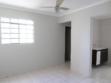 Alugar Apartamento / Padrão em Araçatuba. apenas R$ 650,00