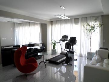Alugar Apartamento / Padrão em Araçatuba. apenas R$ 3.300,00