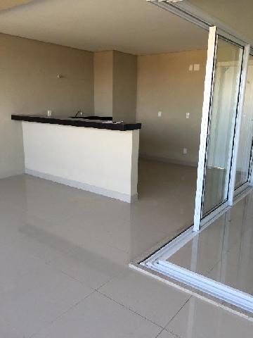 Alugar Apartamento / Padrão em Araçatuba. apenas R$ 1.400.000,00