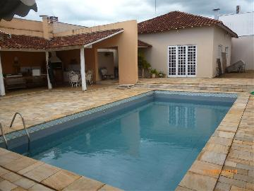 Alugar Casa / Padrão em Araçatuba. apenas R$ 1.260.000,00