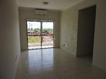 Alugar Apartamento / Padrão em Araçatuba. apenas R$ 220.000,00