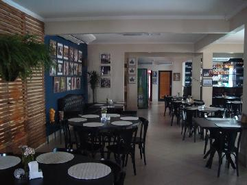 Alugar Casa / Padrão em Araçatuba. apenas R$ 1.400.000,00