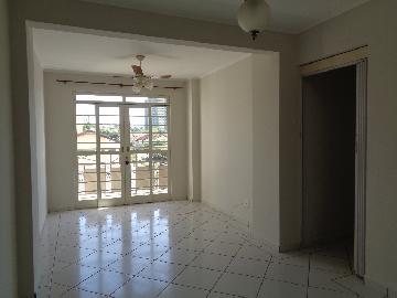 Alugar Apartamento / Padrão em Araçatuba. apenas R$ 700,00