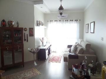 Alugar Apartamento / Padrão em Araçatuba. apenas R$ 370.000,00