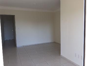Alugar Apartamento / Padrão em Araçatuba. apenas R$ 430.000,00