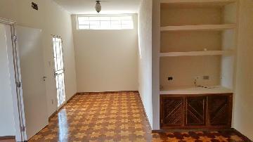 Alugar Casa / Padrão em Araçatuba. apenas R$ 1.800,00