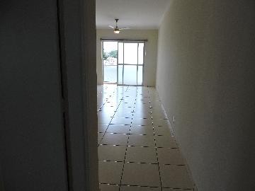 Alugar Apartamento / Padrão em Araçatuba. apenas R$ 550,00