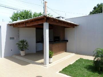 Alugar Casa / Padrão em Araçatuba. apenas R$ 440.000,00