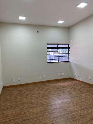 Comprar Comercial / Prédio em Araçatuba - Foto 5