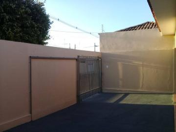 Alugar Casa / Residencial em Araçatuba apenas R$ 1.100,00 - Foto 1