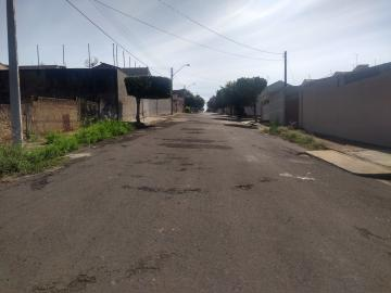Comprar Terreno / Padrão em Araçatuba R$ 140.000,00 - Foto 1